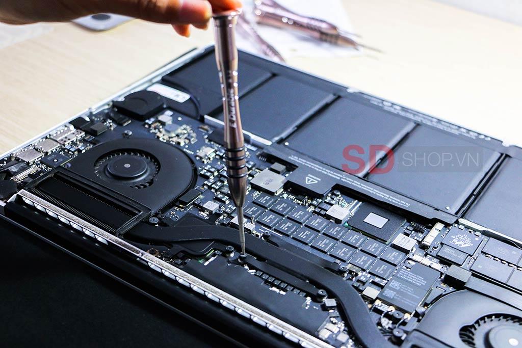 tua vít 5 cạnh mở macbook