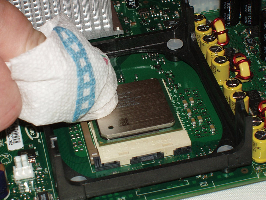 vệ sinh keo tản nhiệt laptop
