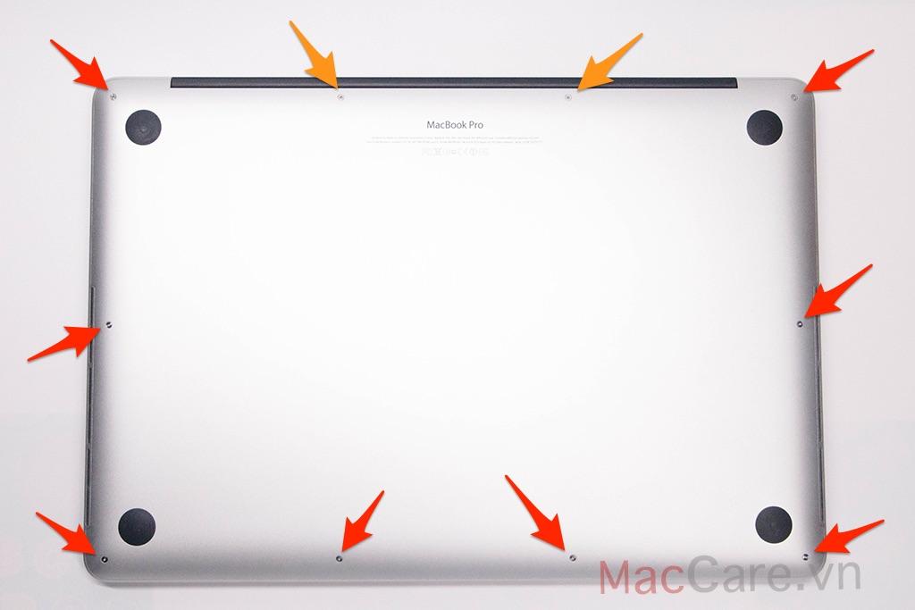 mở mặt đáy macbook