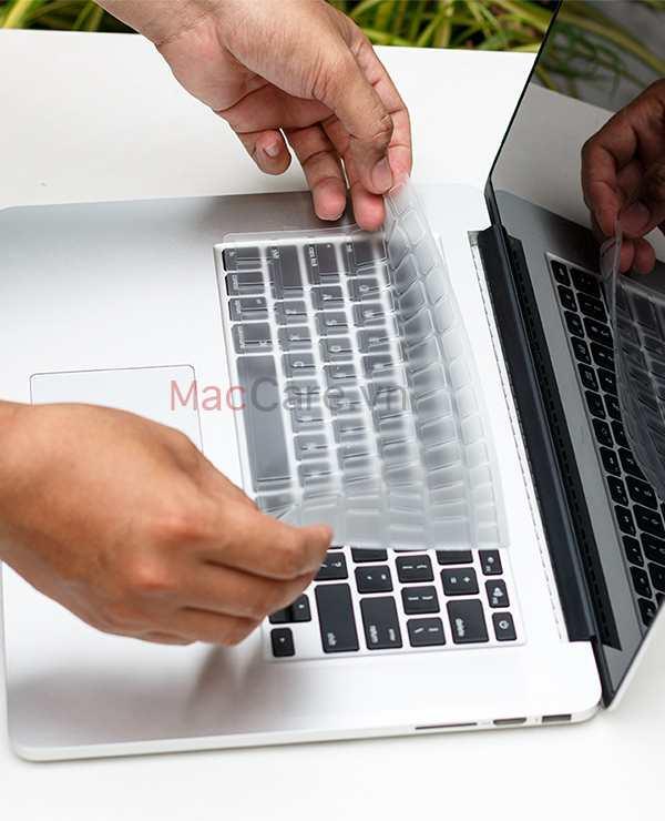 miếng phủ bàn phím trong suốt