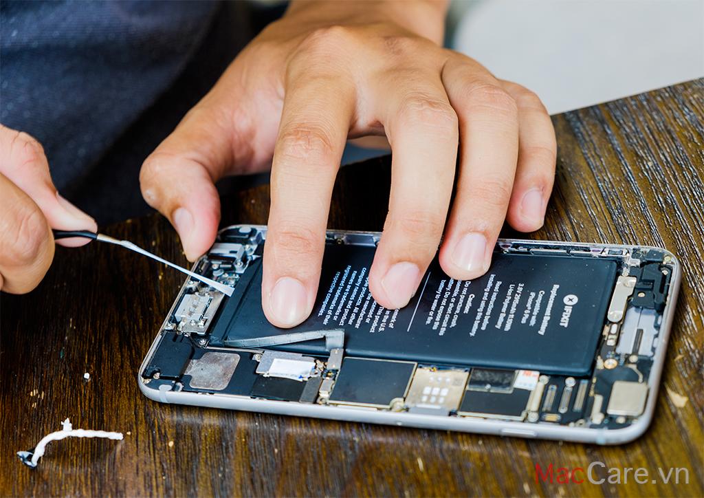 Bộ tua vít mở iPhone đầy đủ các đầu vít cần thiết