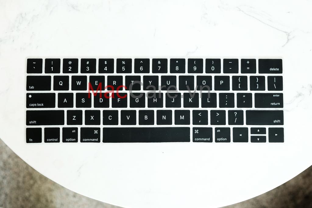 phủ bàn phím macbook pro 2018