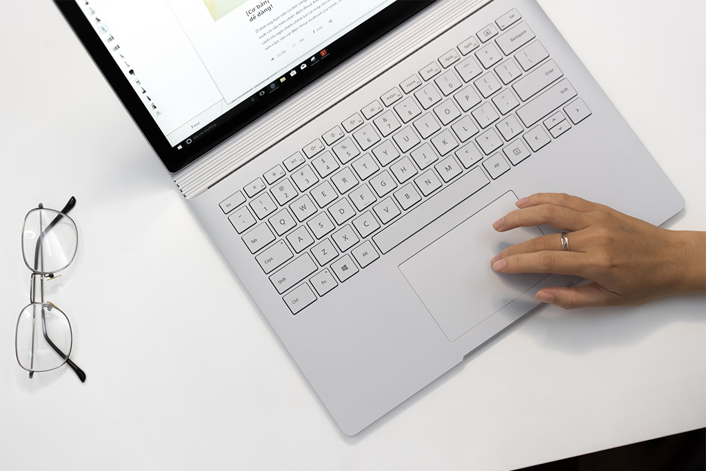 miếng phủ bàn phím surface