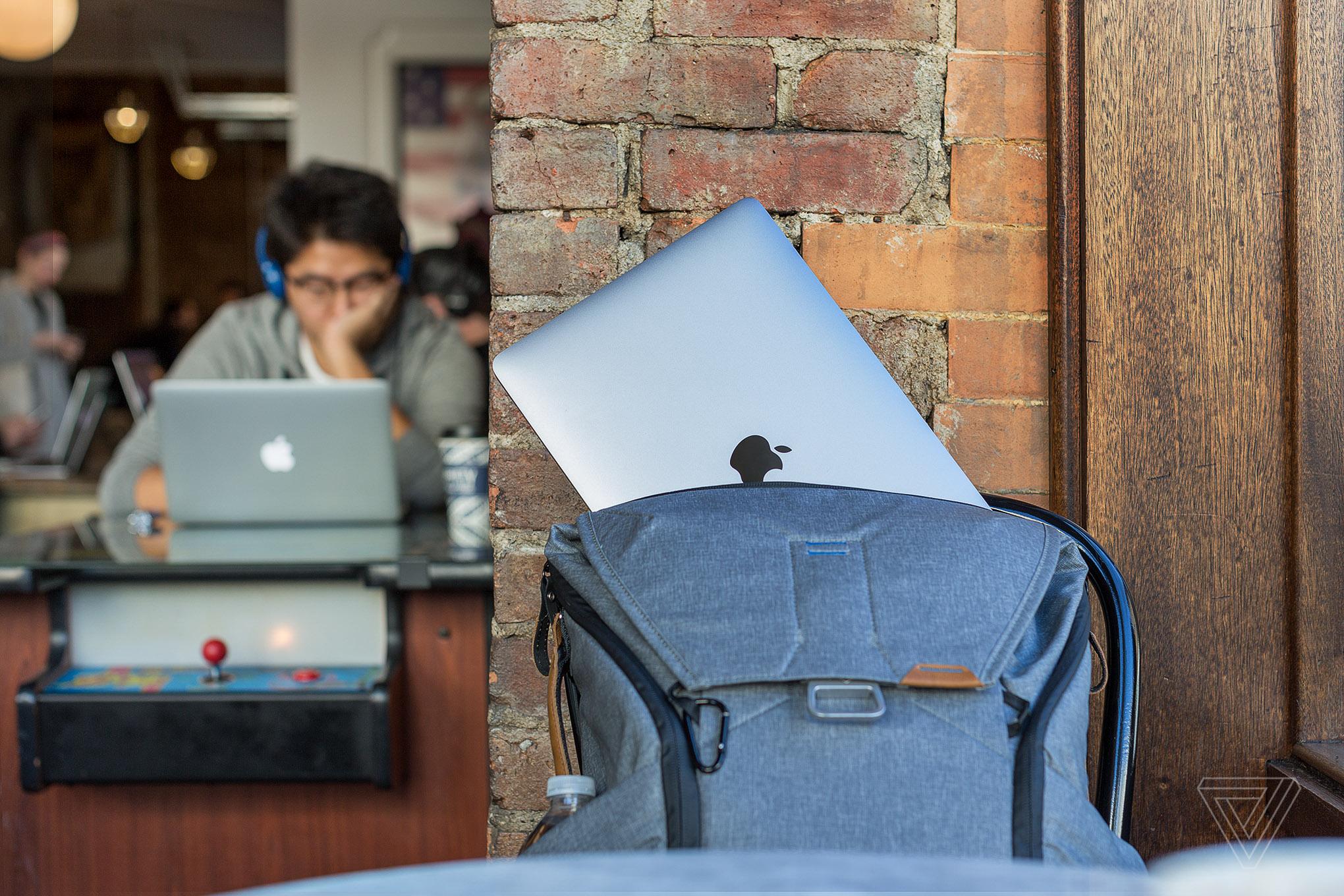 3 tiêu chí cần thiết để chọn mua balo đựng Macbook, Laptop