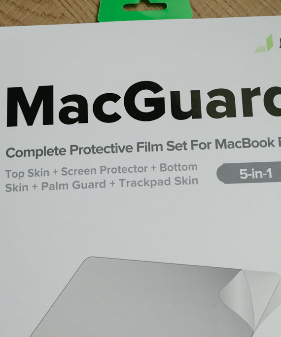 dán full macbook pro 16inch