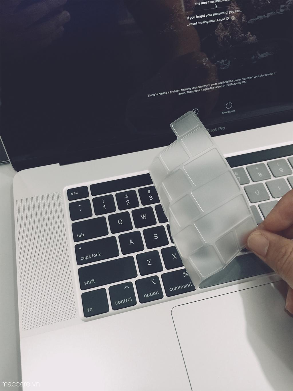 phủ phím macbook pro 16inch trong suốt jcpal