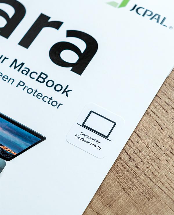 dán màn hình macbook pro 16inch iclara