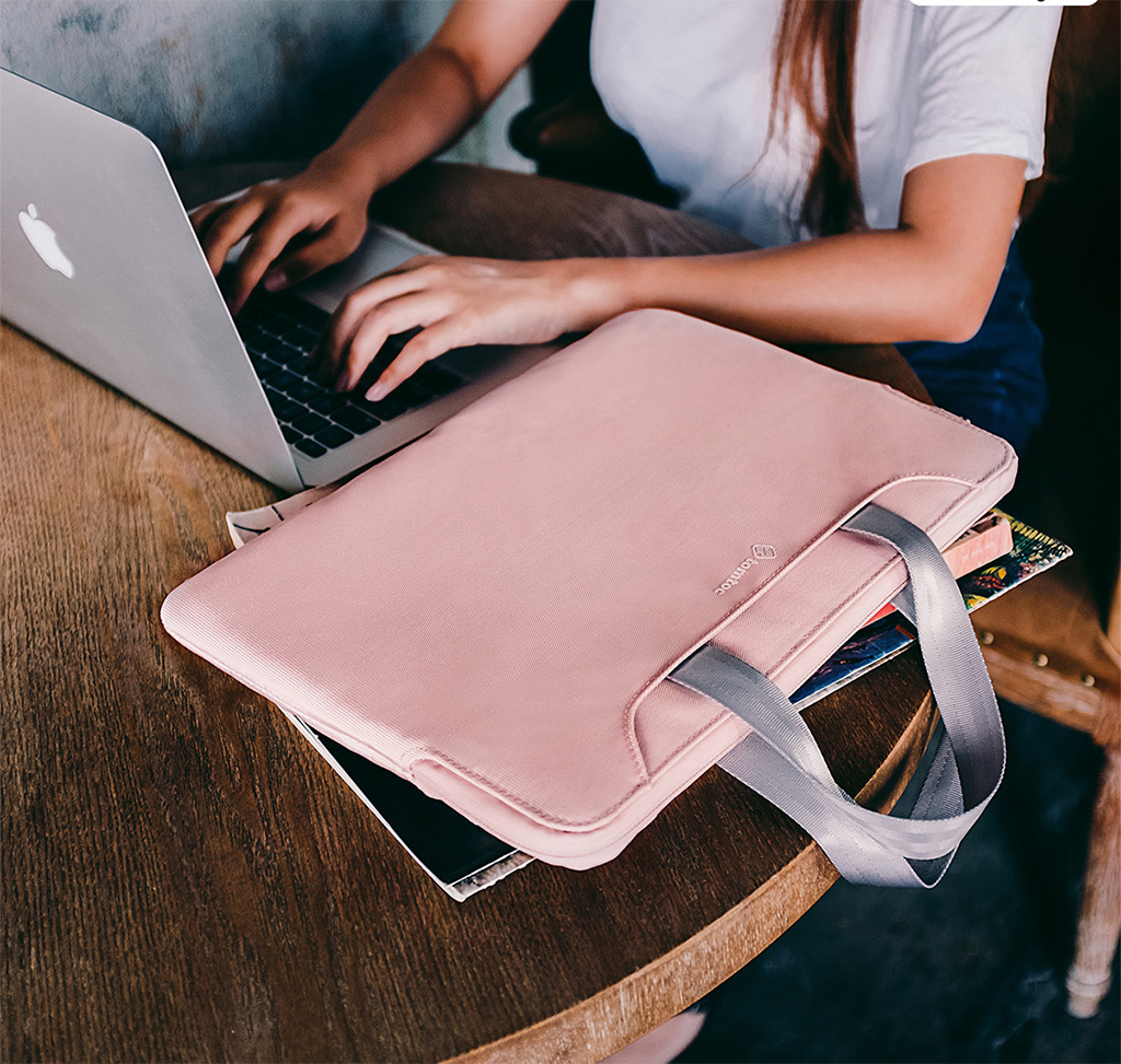 túi chống shock màu hồng 13inch